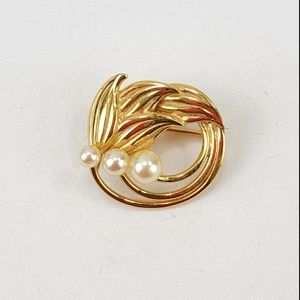 Vtg Napier Brooch Pin Gold Tone Faux Pearl Floral
